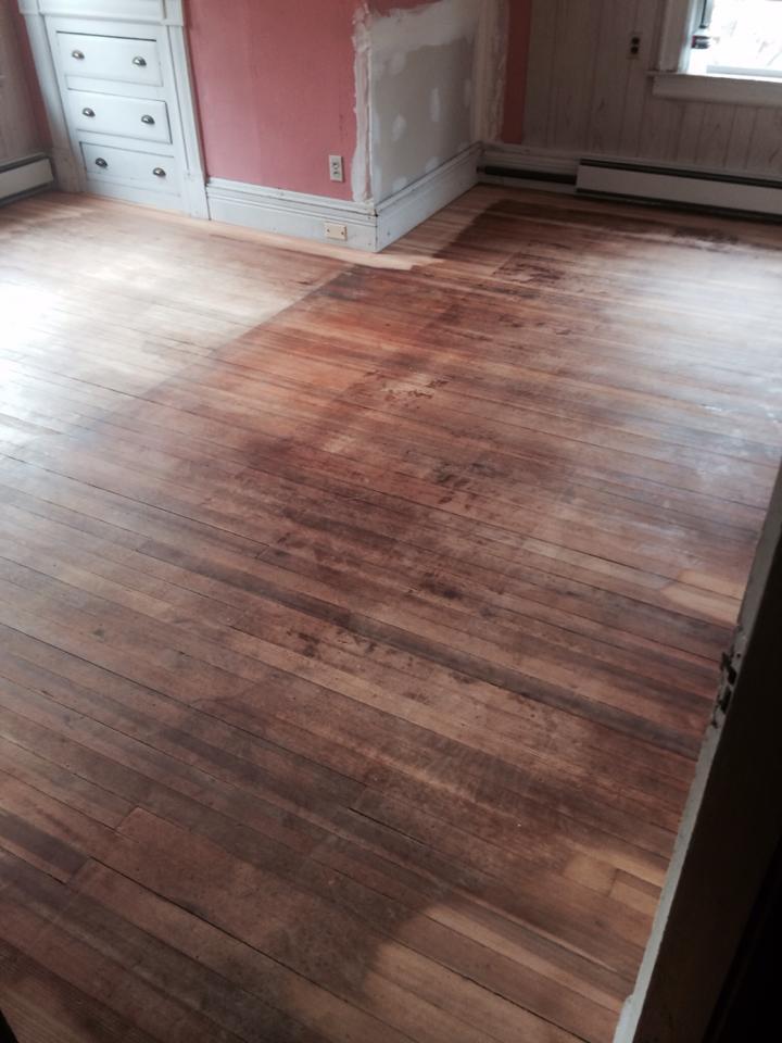 dark-wood-flooring-pink-wall